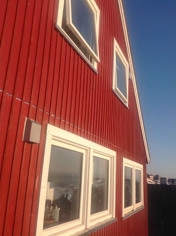 Feel home in Nuuk, enjoy the view - Nuuk - House