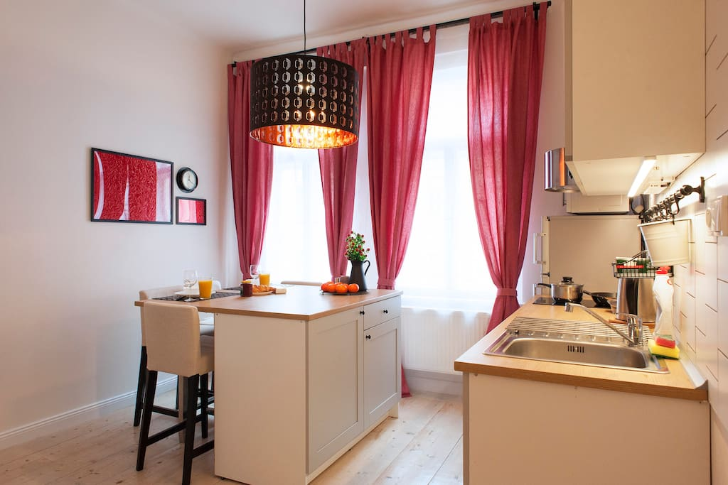 'The flat is well-planned and comfortably bright. There was nothing missing and we would definitely book it again :)' - Lisa