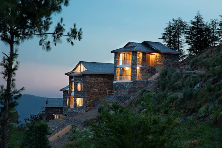 ❣Deori cottage w/Mesmerizing View&BKFST nr Shimla❣