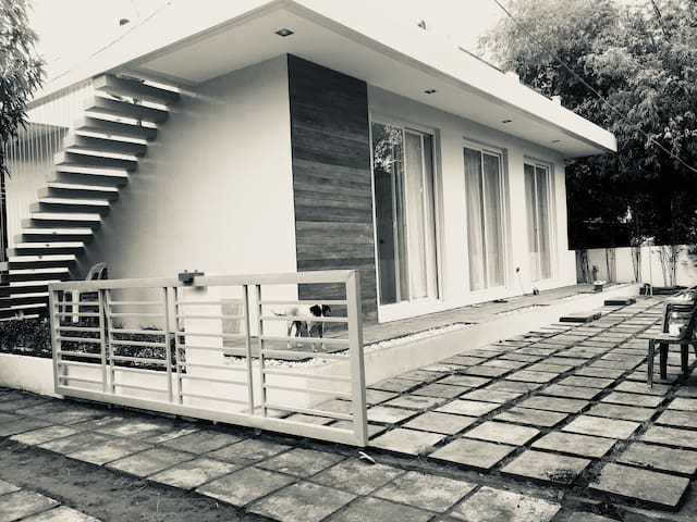 Classy, modern, beautiful vacation home