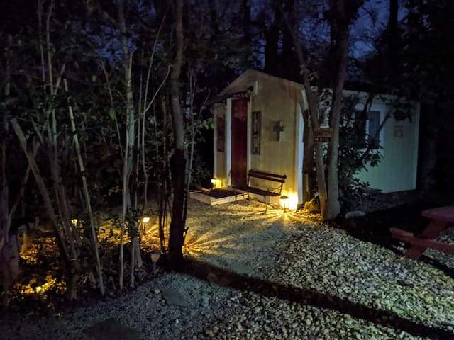 Peaceful, Private, Serene - Hidden Oaks, Cabin 2