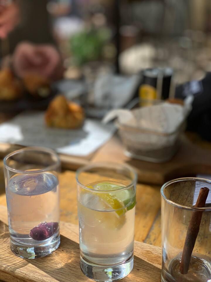 Craft gin tasting in Stellenbosch