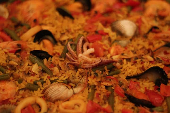 Is seafood the most traditional paella?