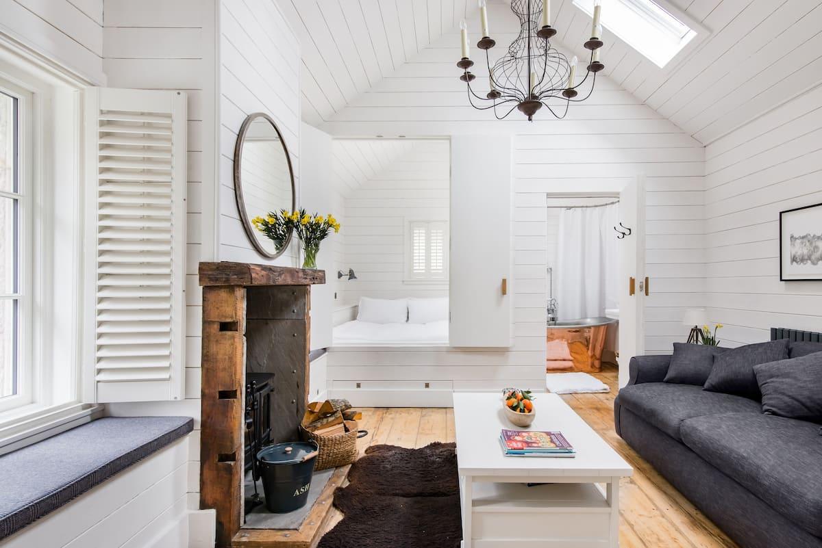 Romantic Cottage Retreat near Lancaster Castle