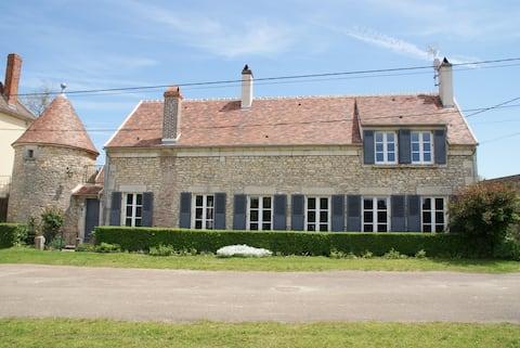 Das Priorat: Haus des Charmes in der Nähe von Vézelay ****