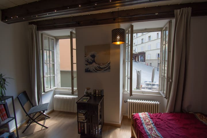 Studio to rent - historic center of Lausanne