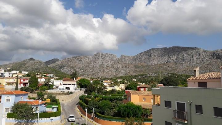 Spacious apartment with stunning mountain views