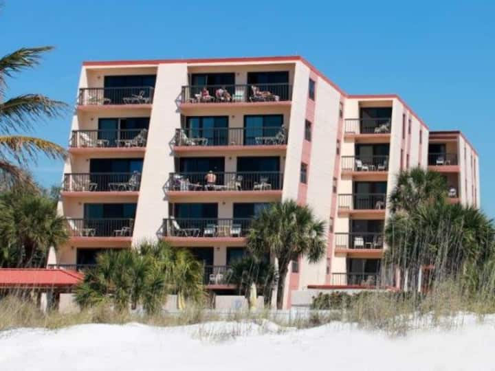 Beach Life = Your Life: Welcome to Gulf Gate bliss
