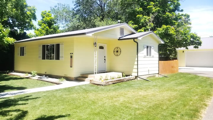 F-Town Central - Shady Oasis in Heart of Fruita