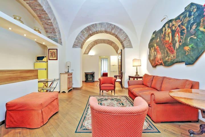 Beautiful,close to COLOSSEUM! 80297 - Roma - Apartment