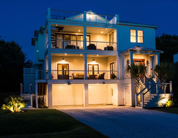 New Custom Built Luxury Home - Isle of Palms - Casa