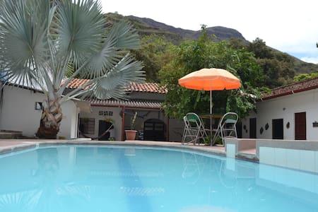 Casa Campestre de descanso con Piscina y Jacuzzi - Lakás