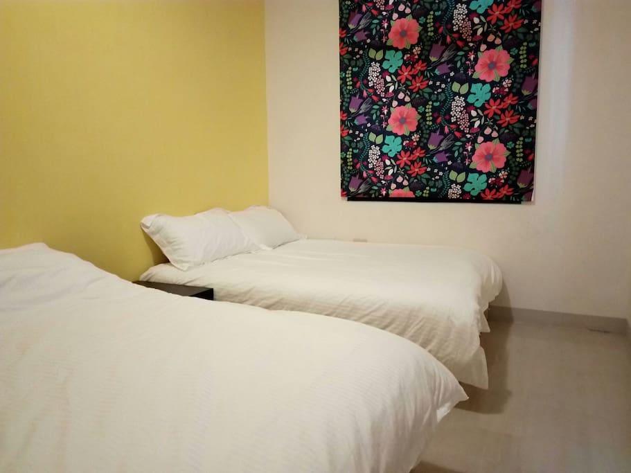 1樓的熱帶花卉4人房