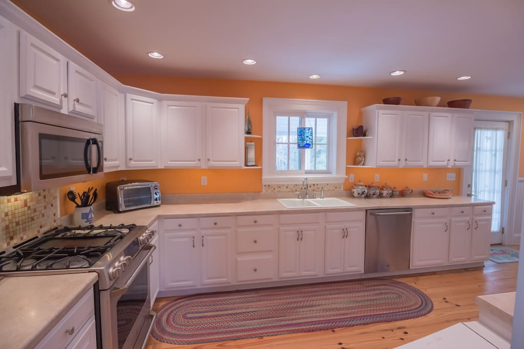 Classic white cabinetry and plenty of prep space.