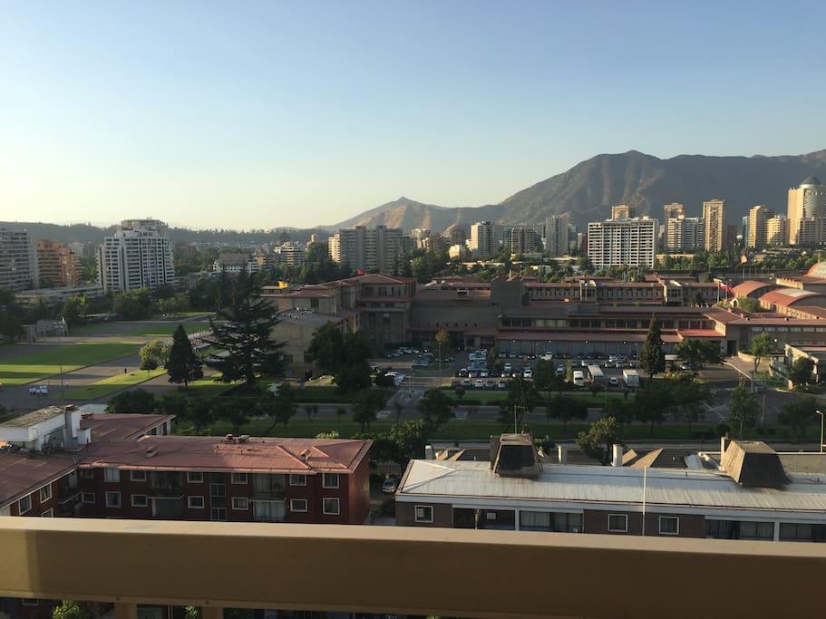 Vistas Escuela Militar y Cordillera