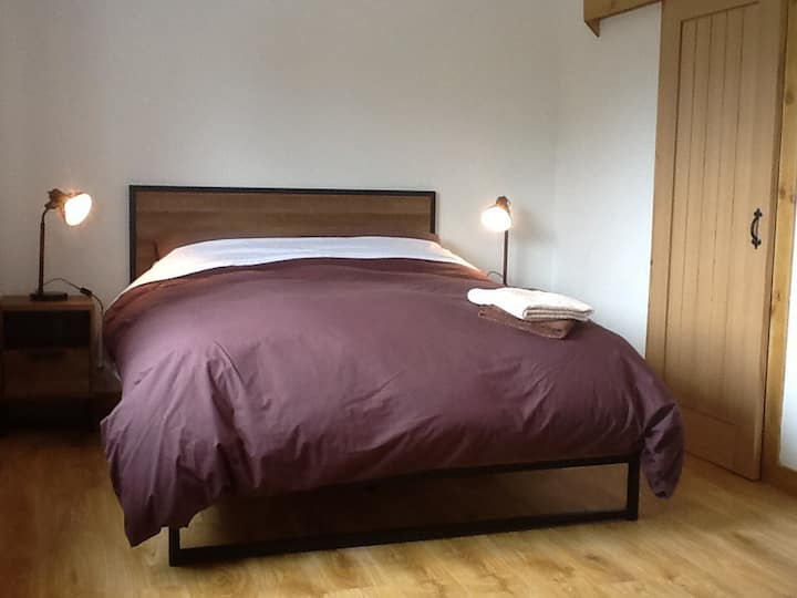 Private en suite room..3 miles from Fort William..