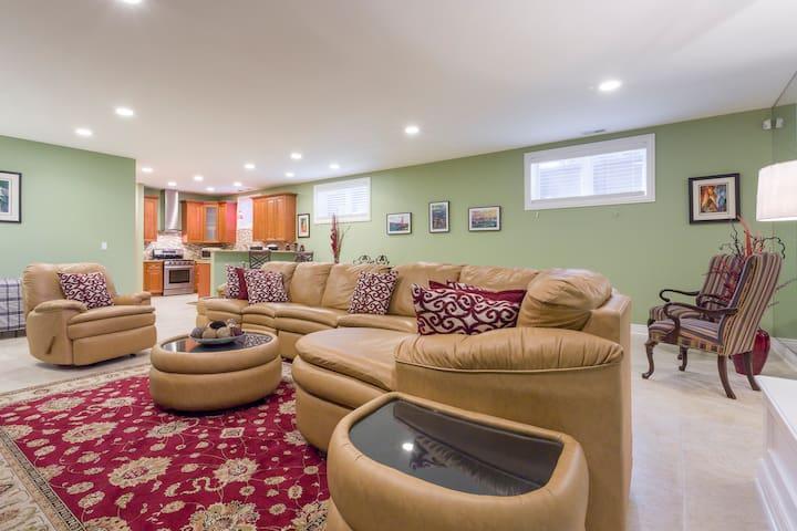 Private In-law Suite near O'Hare