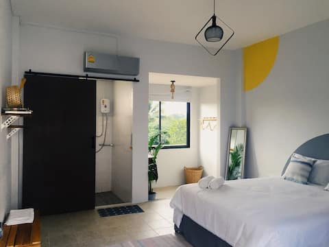 Double bedroom; 简约设计感 大床房 / 远离城市喧嚣 享受静谧田园生活