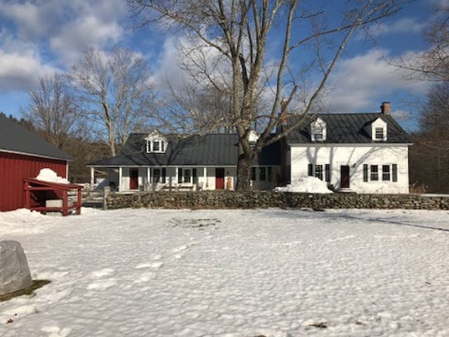 Authentic Vermont Farmhouse - Grafton