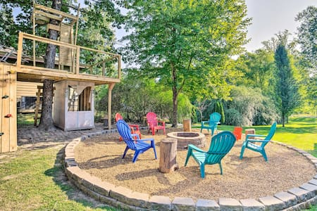 'No Wake Zone' Pickwick Home w/ Patio in Counce!