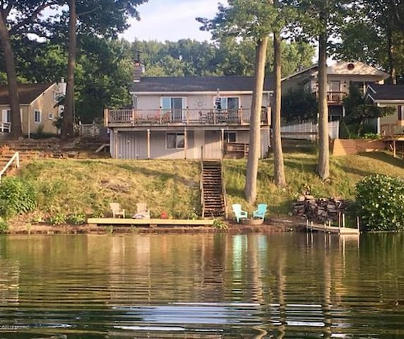 Cozy Cottage on Pine Lake in Plainwell, Michigan