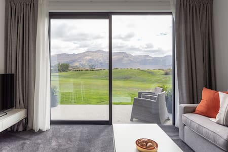 Simply Stunning: Coronet Peak & Remarkables' views