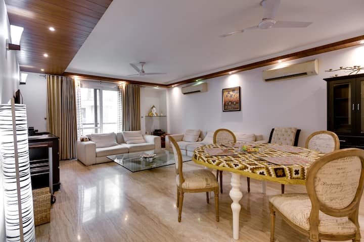GRAND LUXURIANT♦4 BHK-GREATER KAILASH 1★PARKING