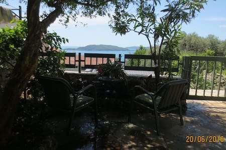 Lovely 3-room apart with sea view, garden & patio - Pržno - 公寓