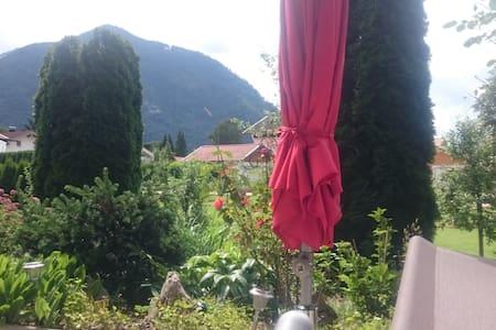 Privatzimmer in einer EG Wh im Chiemgau - Grassau - Apartament