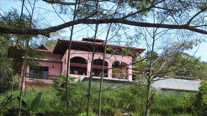 Casa Rosa, 2 bedroom with kitchen