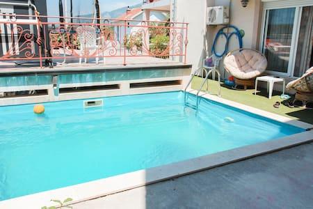Villa with swimming pool - Utjeha-Bušat