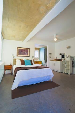 Bedroom 3 Master Room Queen Bed