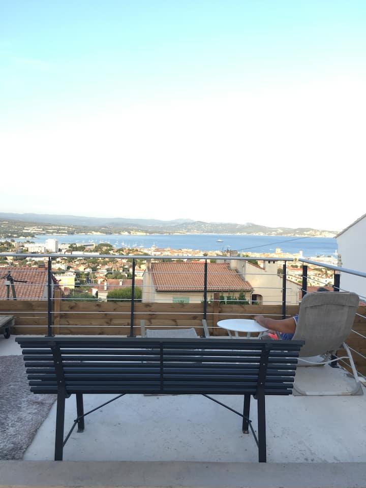 Rez-de-villa, 60 m2,climatisé, 2 chambres, vue mer