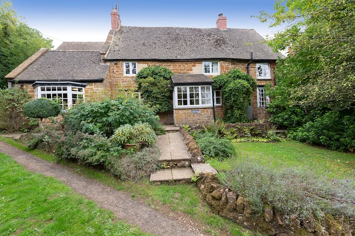 Hillside Cottage, Swerford, Cotswolds