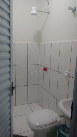Parte do banheiro.