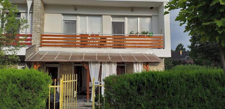 Ház, Balatonkenese emelet