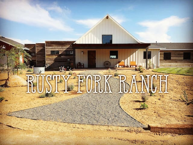 Rusty Fork Ranch - Chevy Palace Room