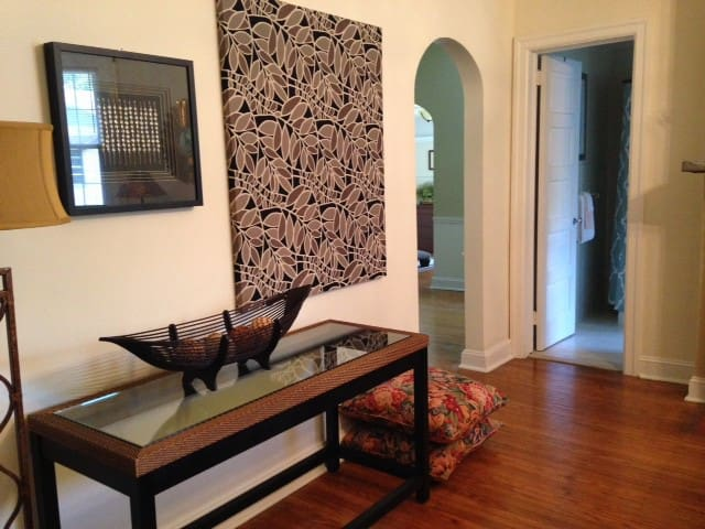 Stylish Apt In Convenient Location - Lansdowne - Apartamento