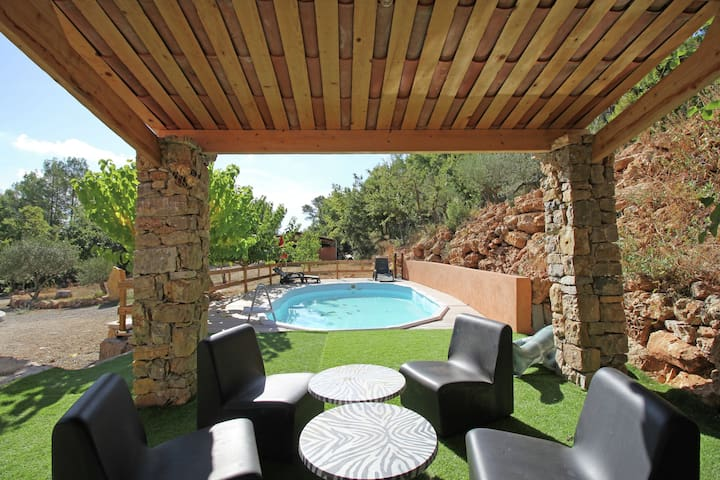 Quiet Holiday Home in Saint-Antonin-du-Var with Private Pool