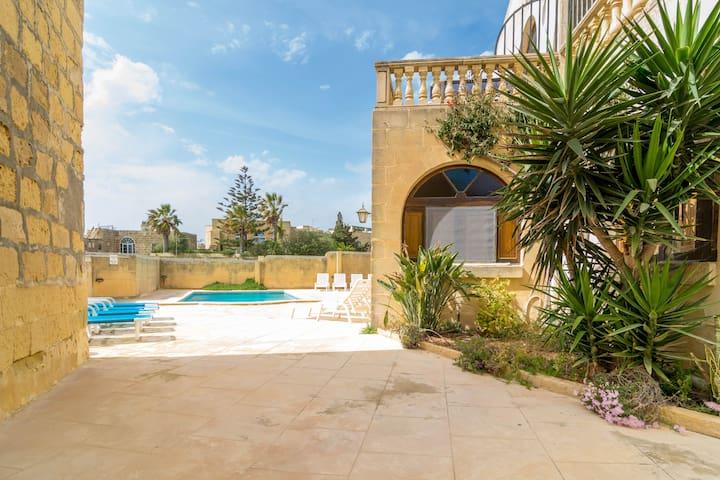 1 Bedroom Apartment with Shared Pool - L-Għarb - Byt
