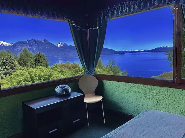 Bariloche.. cabañas en Llao LLao. Vista al lago.