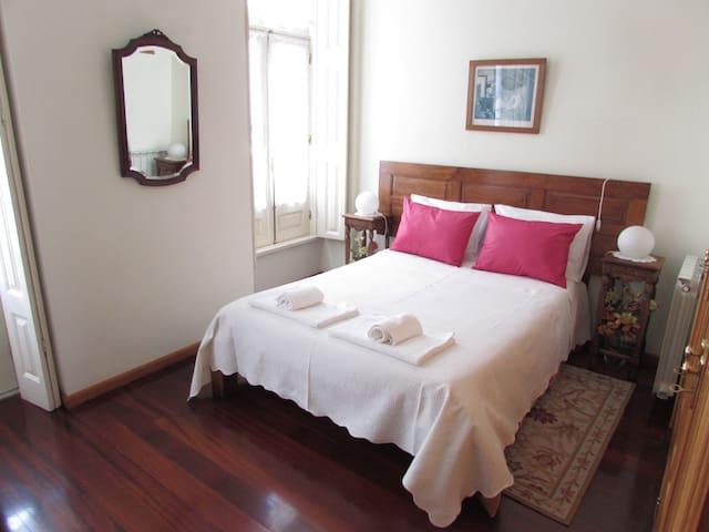 Porto D'Azulejo Room J - Porto - House