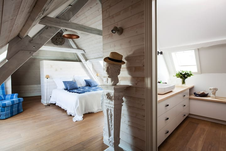 Maison amodio b b bruges room knokke le zoute for Chambre hote knokke