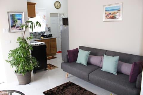 Spacious Modern Secure Studio Apartment (Faith)