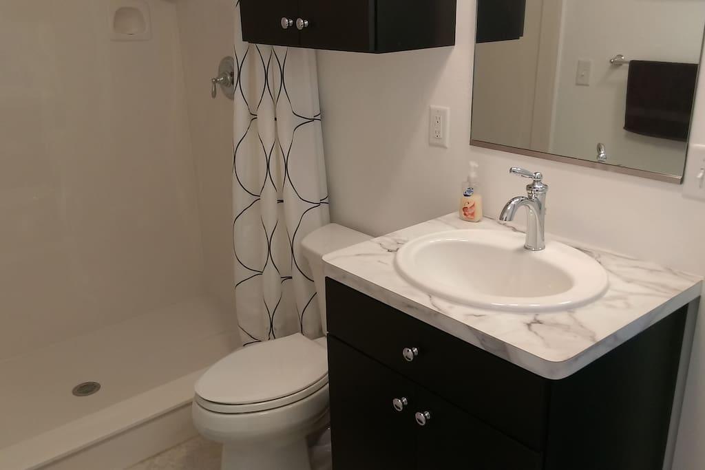 shared bath with king room