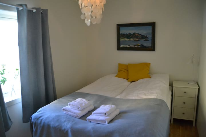 Bedroom; a double bed with quality mattresses. The bed is 150 cm wide.