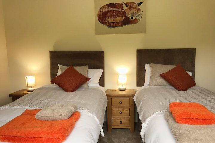 Moelfre B&B : Orange Room