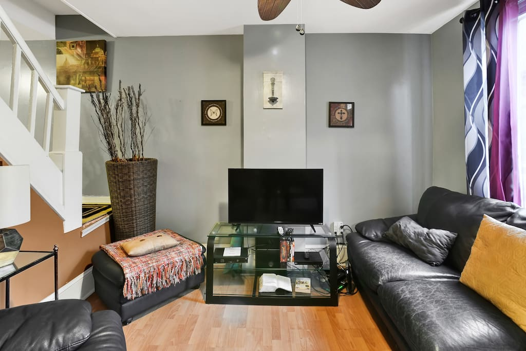 Great space to get together and plan your outings or just make it a Netflix night