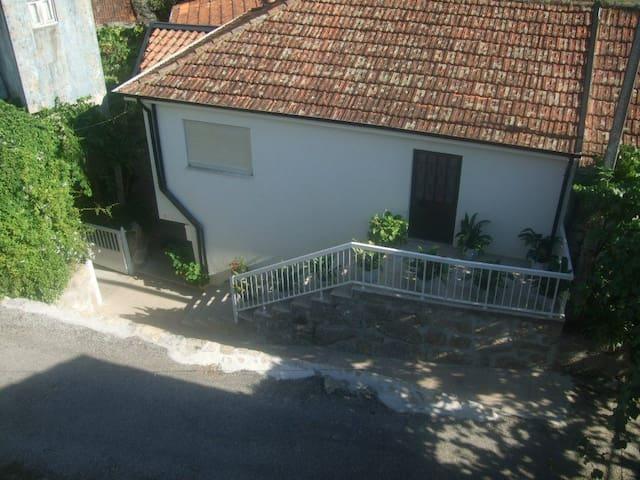 Casa de férias em Paredes com moinhos de água - Paredes