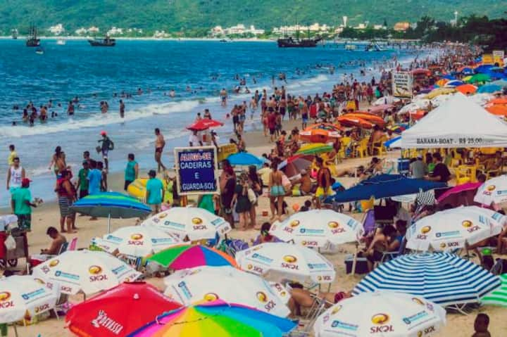 Hospedagem em Floripa na praia de canasvieiras.